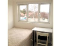 Single room in Kingston upon Thames near Norbiton station.