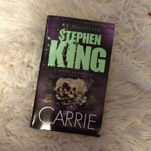 Books stephen king CARRIE / never have i ever Edmonton Edmonton Area image 1