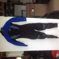 Wet suits, gloves, booted and dive computers