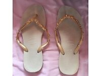 Gold and nude havaianas size 3/4 flip flops