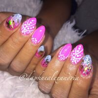 Professional gel nails ! Accepting new clients !
