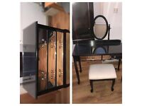 Mirror drawers and dressing table