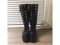 Black boots size 6.