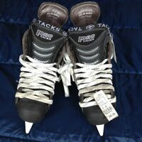 New Size 5 CCM hockey skates