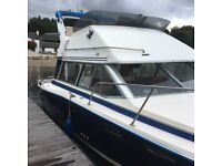 Bayliner 2855 flybridge cruiser