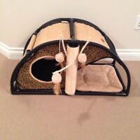 Bailey & Bella Cat Play House