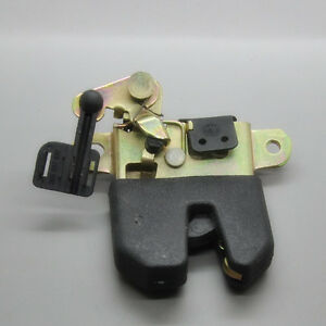 2001 vw jetta trunk latch with 251328573231 on T6286 additionally Showthread also 182237983697 additionally 161871334442 as well Trunk Latch Diagram.