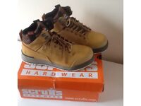 Scruffs safety boots size 8,