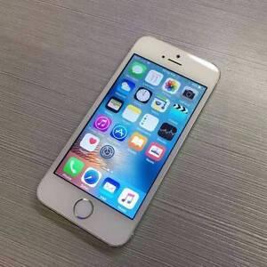 iPhone 5S 16GB Silver unlocked with box and accessories Surfers Paradise Gold Coast City Preview