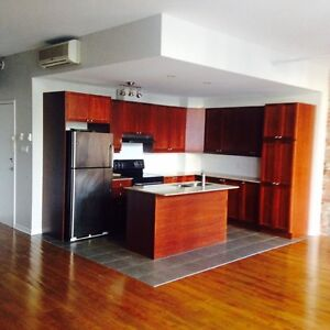 GREAT 4.5 IN NDG *** NEXT TO UNIVERSITY ***