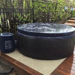 softub 220 hot tubs pools calgary kijiji. Black Bedroom Furniture Sets. Home Design Ideas