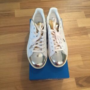 Adidas Stan Smith silver metallic size 8.5 London Ontario image 1
