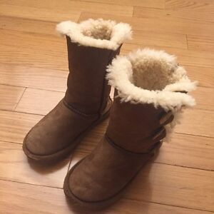 UGG winter boots for girl size 12