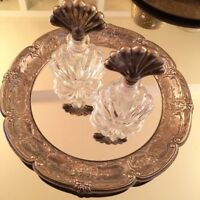 Vgt. Silver scalloped round Mirrored Vanity tray