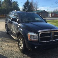 2005 Dodge Durango limited  tv/gps/DVD