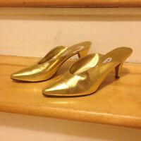 Vintage Gold Pumps - Size 6