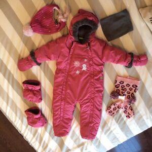 Habit de neige une pièce Perlimpimpin pour bébé (30 mois) Saguenay Saguenay-Lac-Saint-Jean image 1