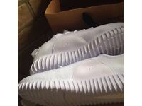 YEEZY BOOST TRAINERS ADIDAS SIZE 9