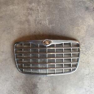 Chrysler 300 grill