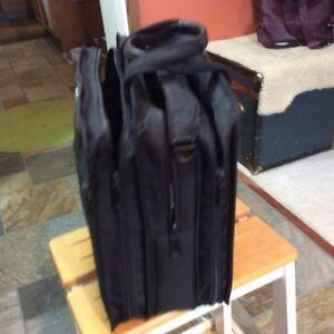 Laptop bag/ case Strathcona County Edmonton Area image 2