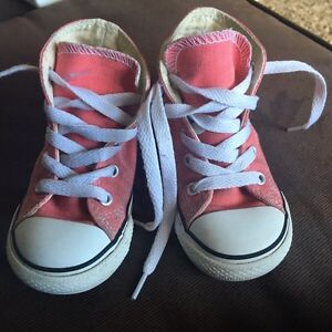 Adorable converse runners