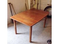 6-8 person extendable dining table