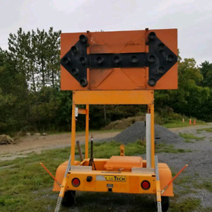 SOLAR ARROW BOARD TRAILER TC12