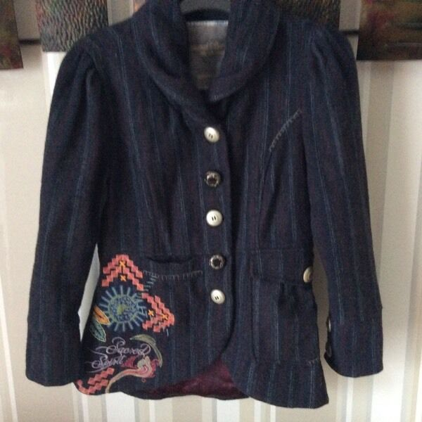 Joe Browns jacket. Size 8 .vgcin Bedworth, WarwickshireGumtree - Joe Browns jacket Size 8 Vgc Beautiful navy stripe Nicer in life than in the images