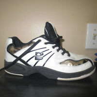 MENS BRUNSWICK BOWLING SHOES SIZE 7-FIT LIKE A LADIES 8-9