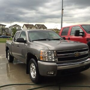 MOVING MUST SELL PRICE DROP Chevy Silverado 1500