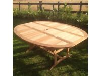 Garden chairs table can deliver