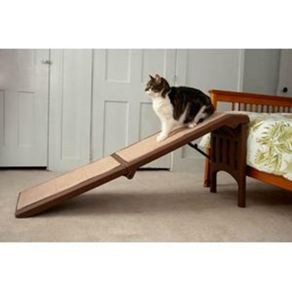 Pet Gear Free-Standing Easy Fold Pet dog cat Ramp - Chocolate