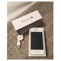 GREAT CONDITION 9/10 WHITE IPHONE 4S ROGERS