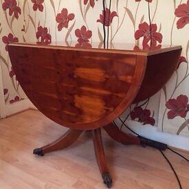 Antique italian. Mahogany wooden table