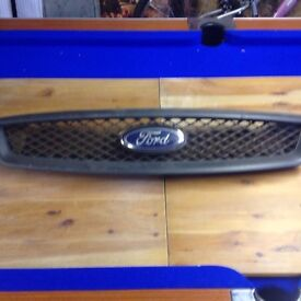 Ford Focus front grill 06 reg