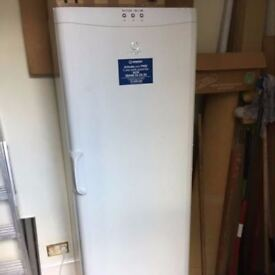 **INDESIT**FREESTANDING FREEZER**COLLECTION\DELIVERY**BARGAIN**COME TAKE A LOOK**HOUNSLOW**