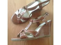 NEW women's leather sandals size 4