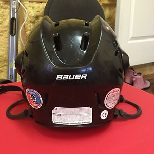 Bauer hockey helmet  West Island Greater Montréal image 2