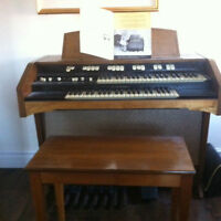 Hammond Spinet Organ Model L-100 series