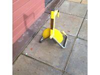Bulldog wheel clamp/lock