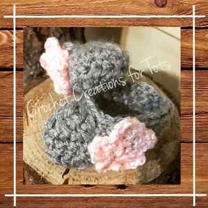 Giving away a free pair of baby booties  Cornwall Ontario image 1