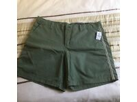 GAP girlfriend chino shorts