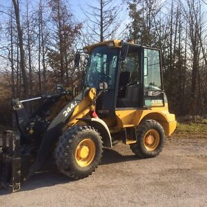 JOHN DEERE 244J LOADER WITH SNOW BUCKET AND FORKS Peterborough Peterborough Area image 4