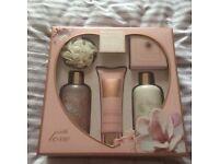 Baylis & hardy ladies gift set