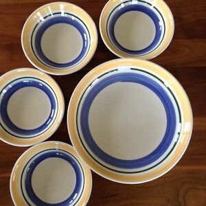 Serving bowl and 4 bowls