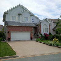 Beautiful family home in Clayton Park West!