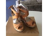 Ugg Lucy Tan Wedge size 6.5