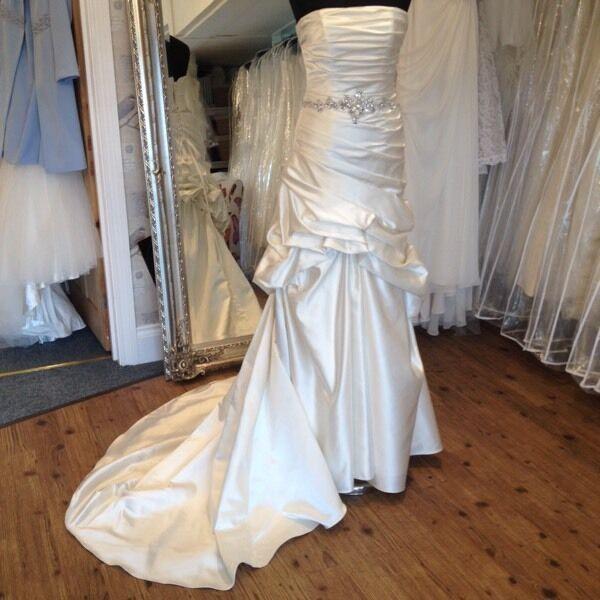 Beautiful Camilla Brides Wedding Dress