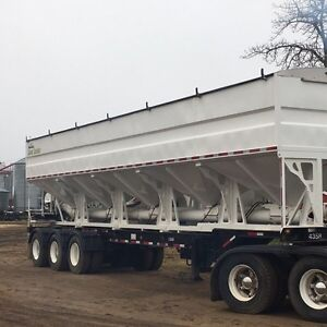 Seed and fertilizer tender