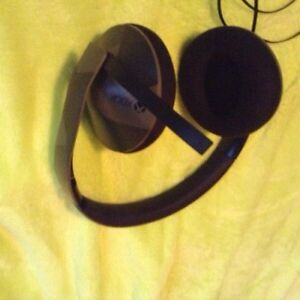 Great condition Xbox one headset (and adapter) make and offer St. John's Newfoundland image 3